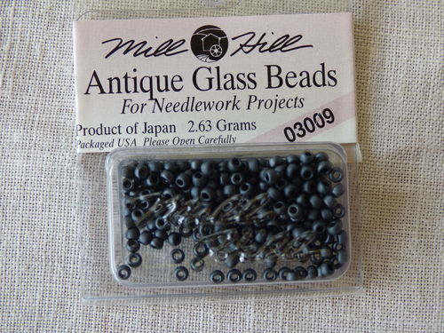 Perle Mill Hill Antique  Glass  Beads 03009
