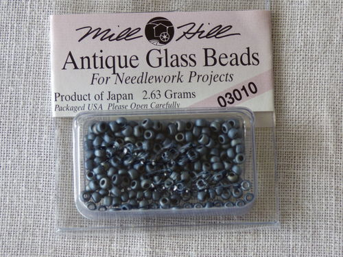 Perle Mill Hill Antique  Glass  Beads 03010