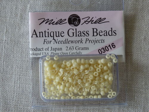 Perle Mill Hill Antique  Glass  Beads 03016