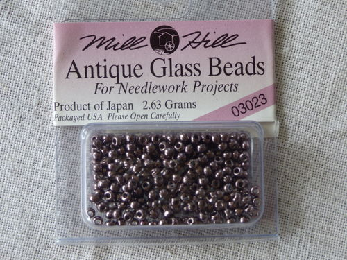 Perle Mill Hill Antique  Glass  Beads 03023