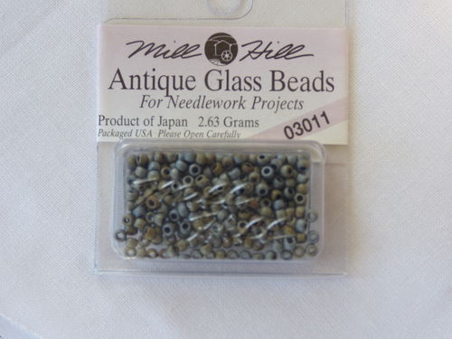 Perle Mill Hill Antique  Glass  Beads 03011