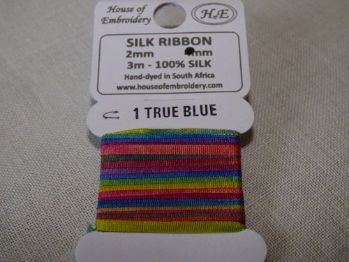 Ruban de soie 2mm House of Embroidery col 1C TRUE BLUE