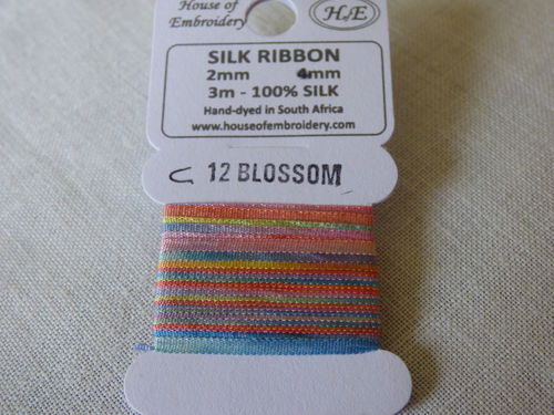 Ruban de soie 2mm House of Embroidery col 12C Blossom