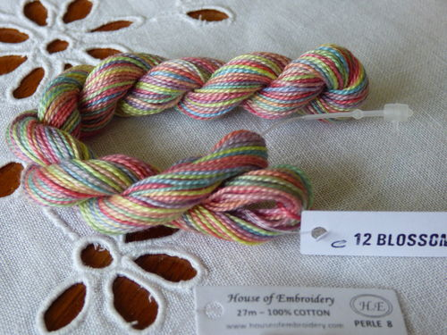 Perlé n°8  HOUSE OF EMBROIDERY COL 12C BLOSSOM