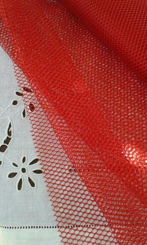 Coupon de tissus Filet Mesh Fabric rouge